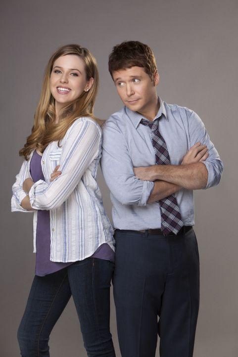 (1. Staffel) - Ein scheinbar glücklich verheiratetes Paar, was sich jedoch nach den alten Zeiten sehnt: Andi (Majandra Delfino, l.) und Bobby (Kevin... - Bildquelle: 2013 CBS Broadcasting, Inc. All Rights Reserved.