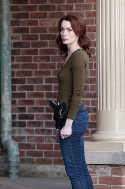Hütet ein schreckliches Familiengeheimnis: FBI-Agentin Virginia (Felicia Day) ... - Bildquelle: Christos Kalohoridis 2010 C/P TIFPRO I Productions Inc. All Rights Reserved.