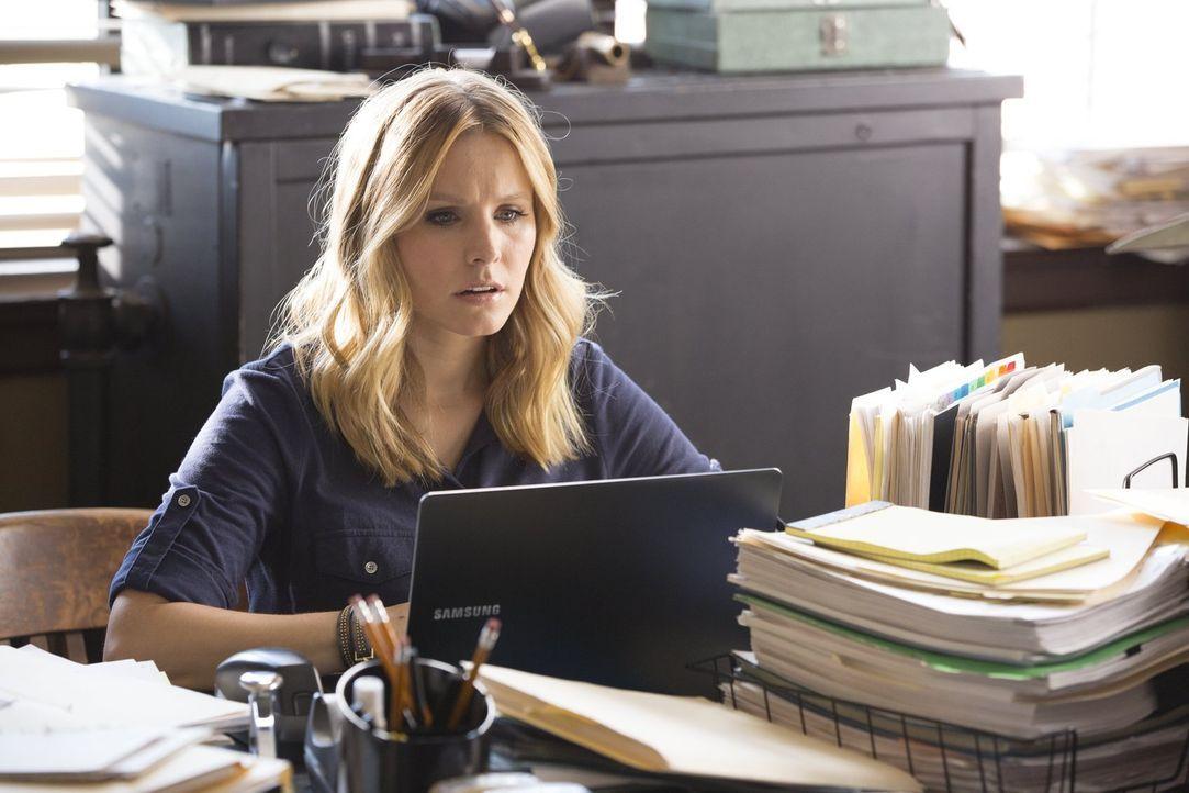 Veronica (Kirsten Bell) hat eigentlich mit ihrer Vergangenheit als Teenage-Detektivin abgeschlossen, doch ein Ruf von ihrem Ex-Freund Logan lässt Ve... - Bildquelle: 2014 Warner Bros. Entertainment, Inc.