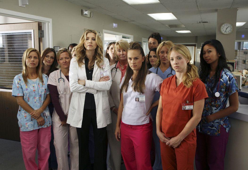 Das Krankenhauspersonal ist über das Verhalten des Hausmeisters wenig erfreut. Auch Elliott (Sarah Chalke) kommt mit den neuen Umweltschutzregeln n... - Bildquelle: Touchstone Television