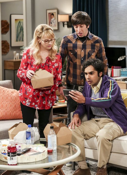 (v.l.n.r.) Bernadette (Melissa Rauch); Howard (Simon Helberg); Raj (Kunal Nayyar) - Bildquelle: Michael Yarish 2018 WBEI. All rights reserved./Michael Yarish