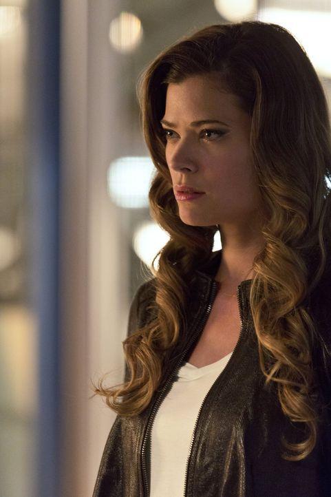 Ohne es zu ahnen, ist Lisa Snart alias Golden Glider (Peyton List) Teil eines perfiden Plans ihres Vaters ... - Bildquelle: 2015 Warner Brothers.