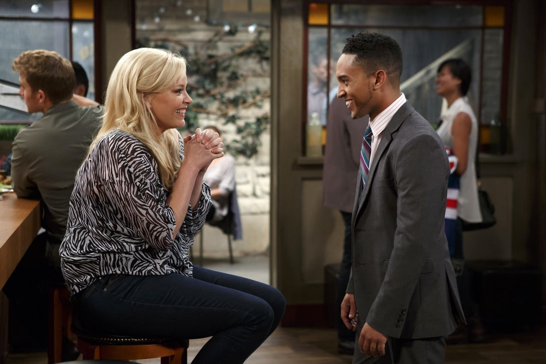 Bonnie (Melissa Peterman, l.); Tucker (Tahj Mowry, r.) - Bildquelle: Bruce Birmelin ABC Family
