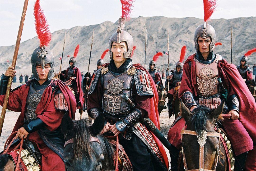 Zwischen Gegenwart und Vergangenheit hin- und hergerissen: Der Archäologe Dr. Jack Chan (Jackie Chan, M.) wird von Träumen geplagt, in denen er ei... - Bildquelle: Splendid