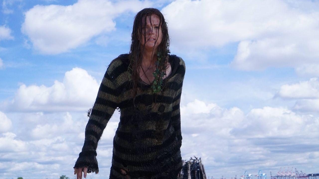 Während Gordon Fish Mooney jagt, kehrt Ivy Pepper (Maggie Geha) nach Gotham City zurück ... - Bildquelle: Warner Brothers
