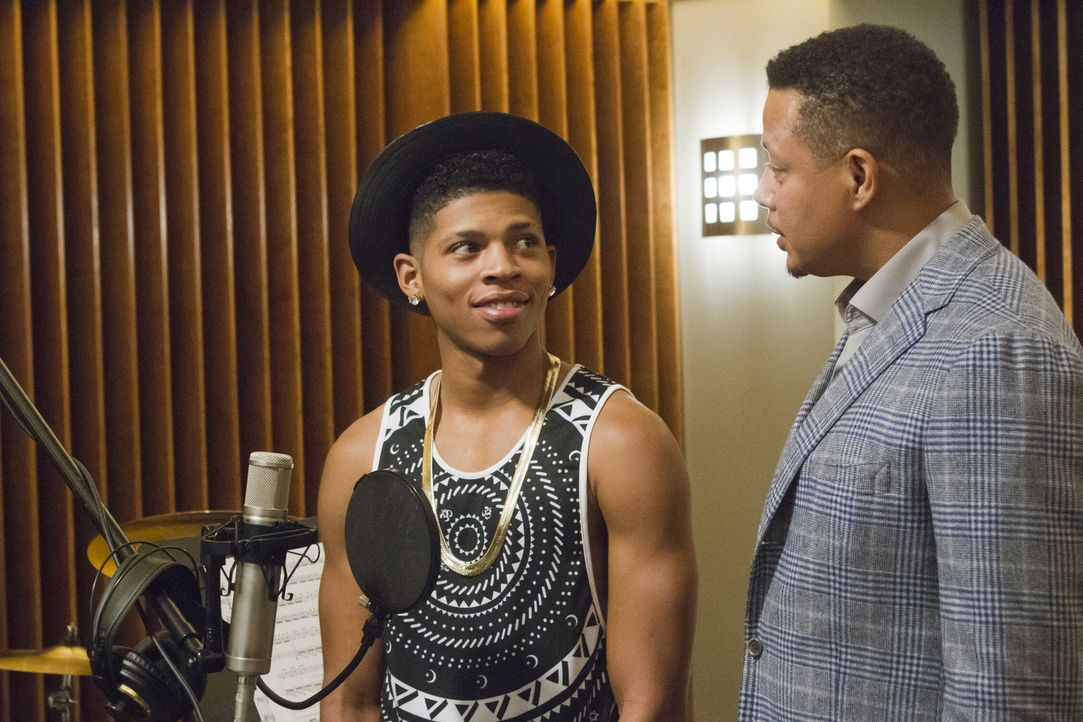 Ein seltener Moment der Loyalität. Hakeem (Bryshere Y. Gray, l.) beschwert sich, dass er von seiner Mutter Cookie gecoacht wird, während Lucious (Te... - Bildquelle: 2015 Fox and its related entities.  All rights reserved.