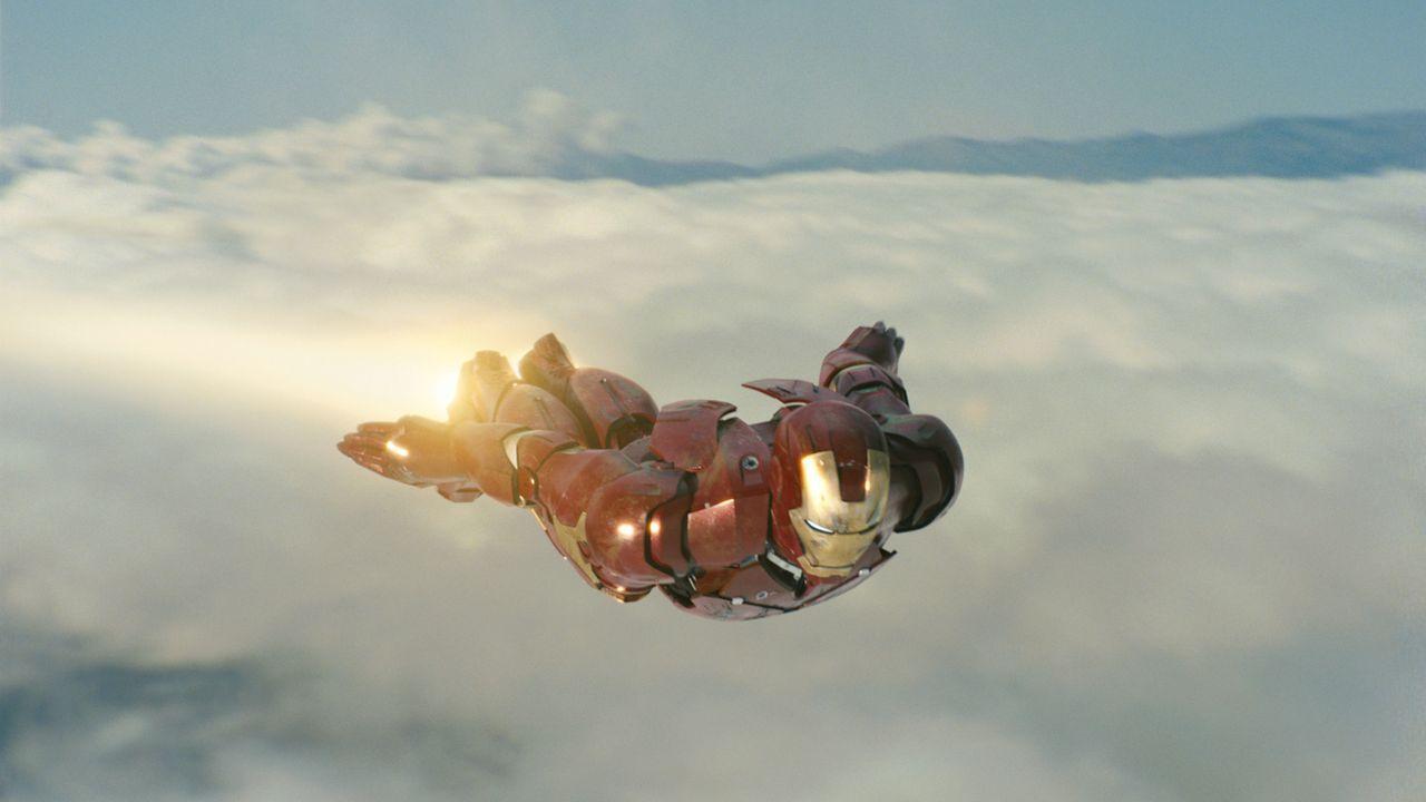 Keine Superkräfte, aber viel Technik. Der Multimillionär und Erfinder Tony Stark (Robert Downey Jr.) erschafft Iron Man, um die Menschen vor den Waf... - Bildquelle: 2008 MVL Film Rinance LLC. All Rights reserved.