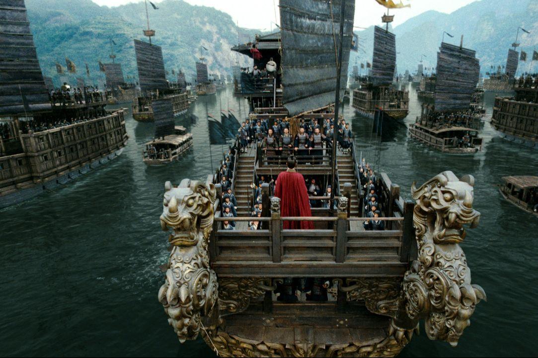 Der machthungrige Cao Cao (Fengyi zhang) zieht mit 800.000 Soldaten und 2.000 Schiffen in den Krieg ... - Bildquelle: Constantin Film Verleih GmbH