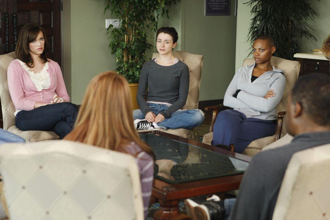 Während Amelia (Caterina Scorsone, M.) ihrer Drogensucht ein Ende bereiten möchte, bricht Addison nach ihrer Fruchtbarkeitsbehandlung zusammen ... - Bildquelle: ABC Studios