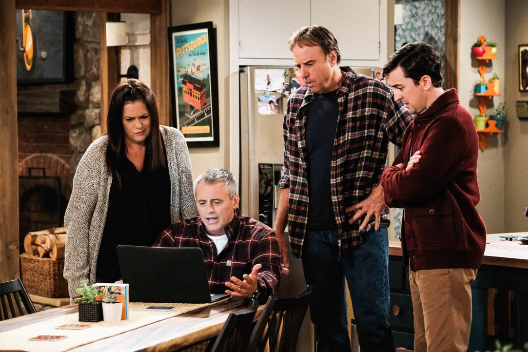 (v.l.n.r.) Andi Burns (Liza Snyder); Adam Burns (Matt LeBlanc); Don Burns (Kevin Nealon); Lowell (Matt Cook) - Bildquelle: Eddy Chen 2019 CBS Broadcasting Inc. All Rights Reserved. / Eddy Chen