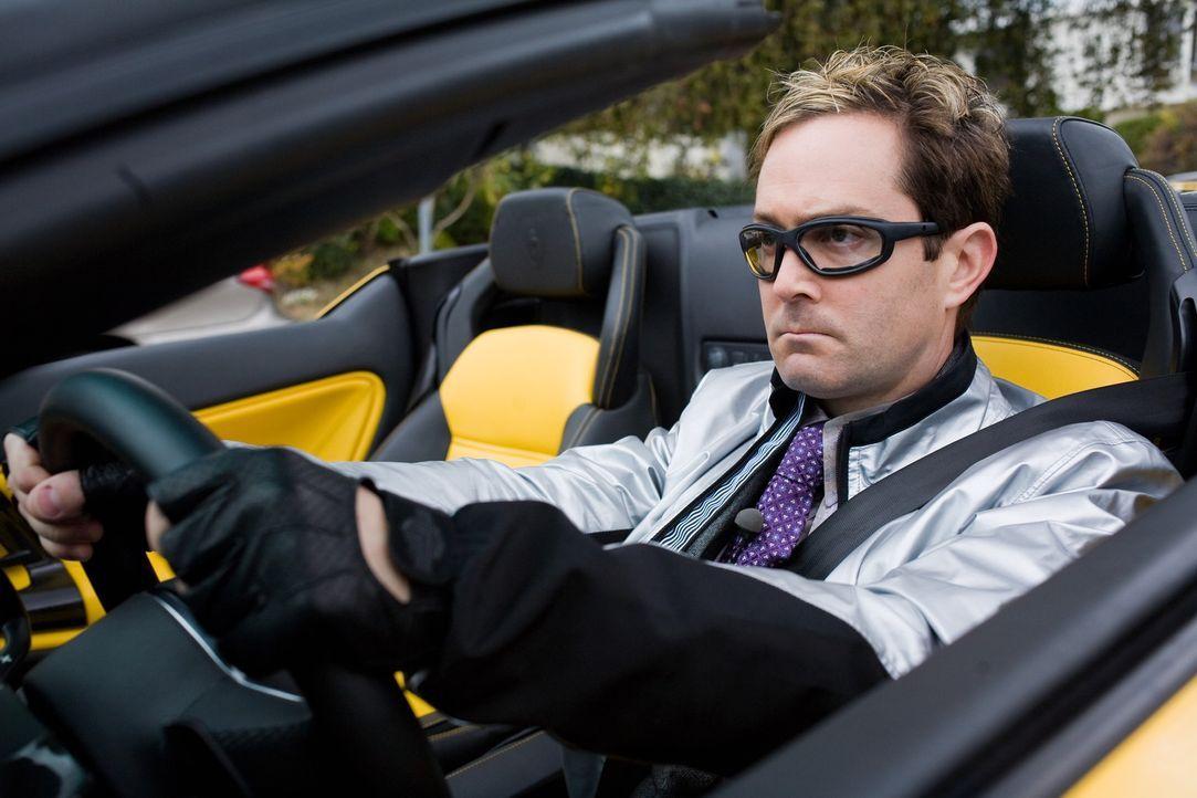 Endlich gelingt es Ned (Thomas Lennon), die Direktorin der Hayden High School für ein Date zu begeistern. Doch der Abend verläuft ganz anders als... - Bildquelle: 2008   Warner Bros.