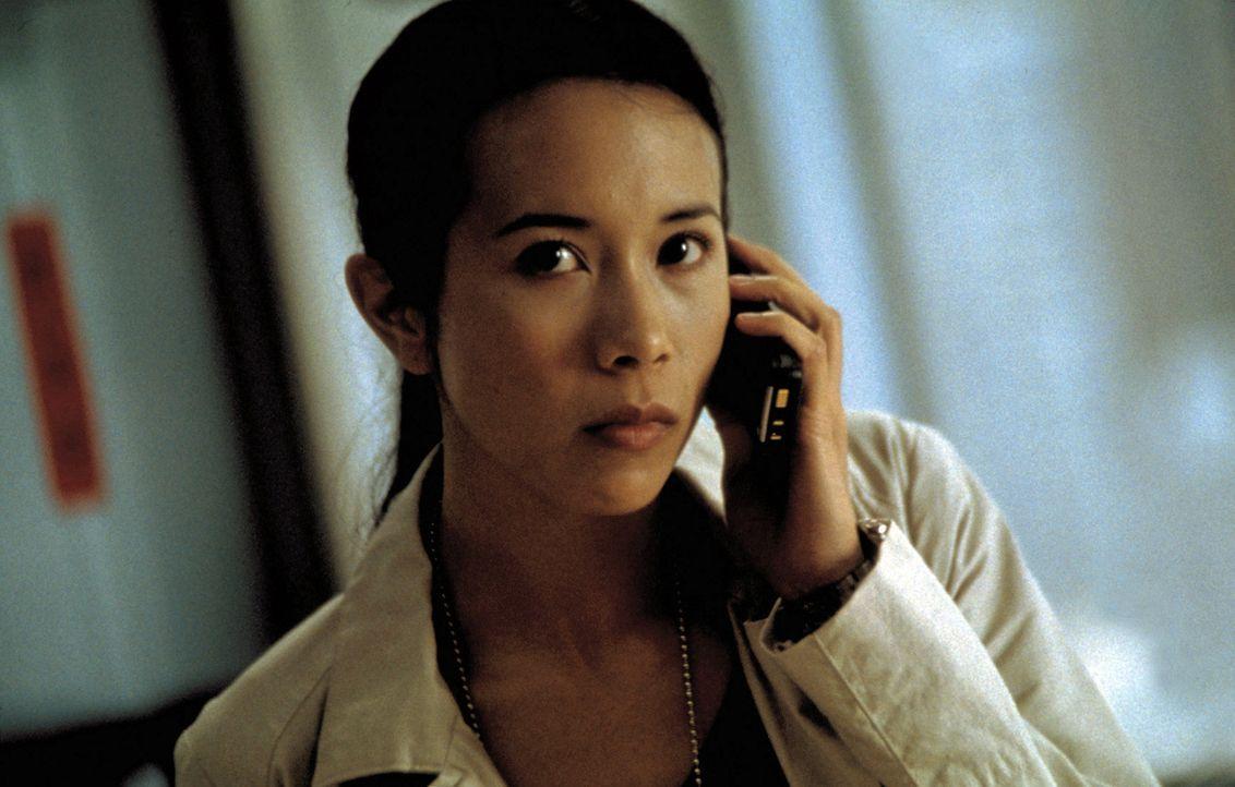 Als sich die engagierte Undercover-Agentin Hong (Karen Mok) an die Fersen von zwei Profikillerinnen heftet, gerät sie selbst ins Fadenkreuz skrupel... - Bildquelle: Sony Pictures Television International. All Rights Reserved.