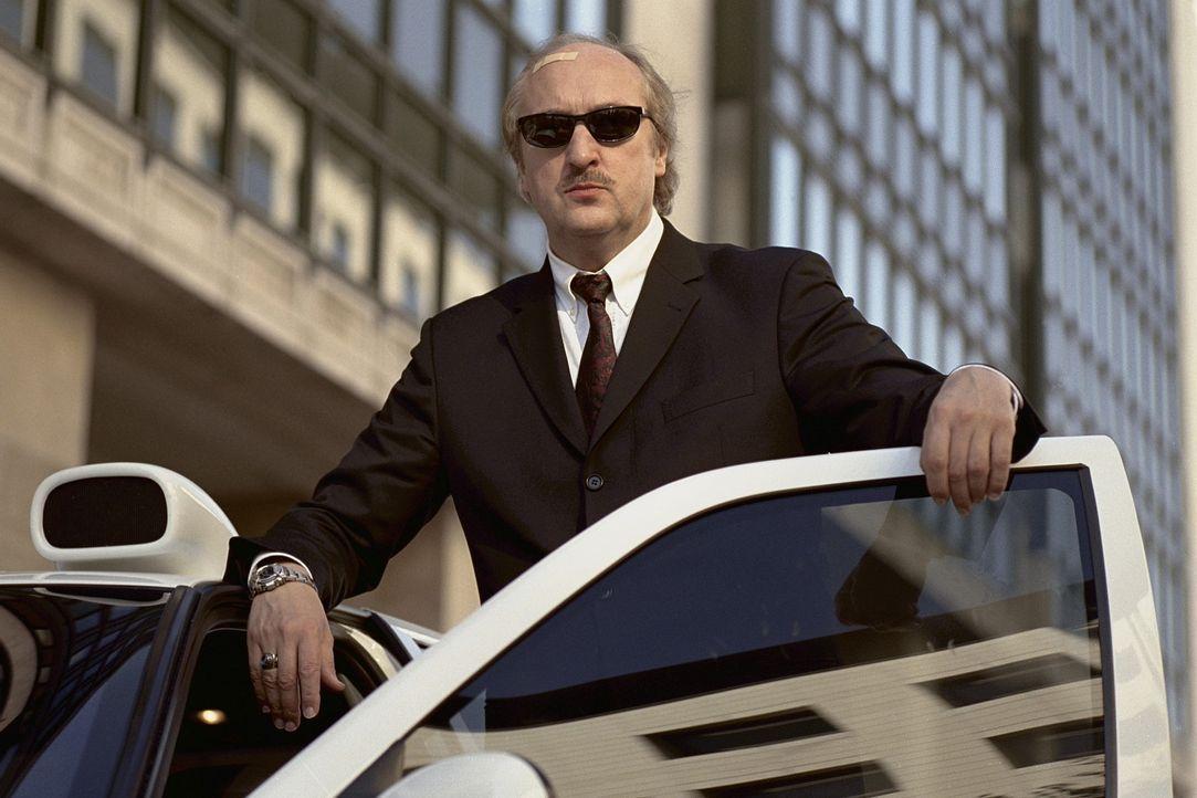 Als Polizeichef Gibert (Bernard Farcy) erfährt, dass während der Weihnachtszeit ein spektakulärer Coup über die Bühne gehen soll, plant er die... - Bildquelle: Tobis Film GmbH & Co. KG