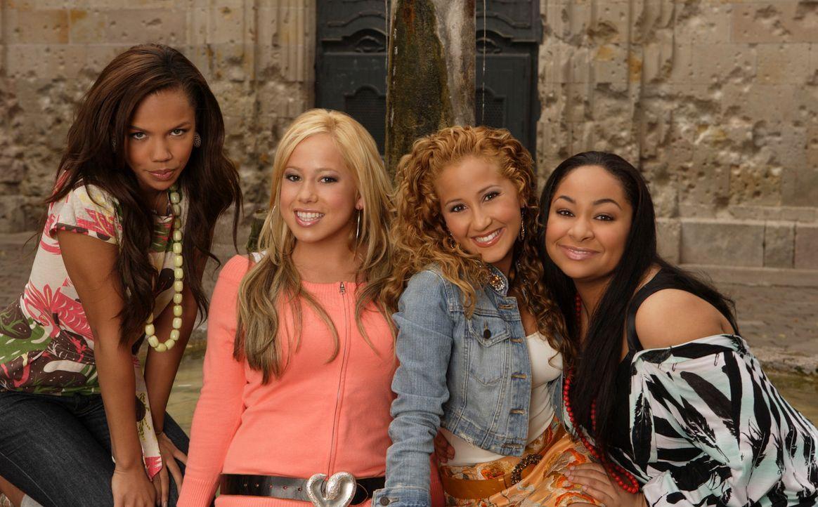 """Die vier """"Cheetah Girls"""" (v.l.n.r.) Aqua (Kiely Williams), Dorinda (Sabrina Bryan), Chanel (Adrienne Bailon) und Galleria (Raven) machen sich auf, s... - Bildquelle: Buena Vista International Television"""