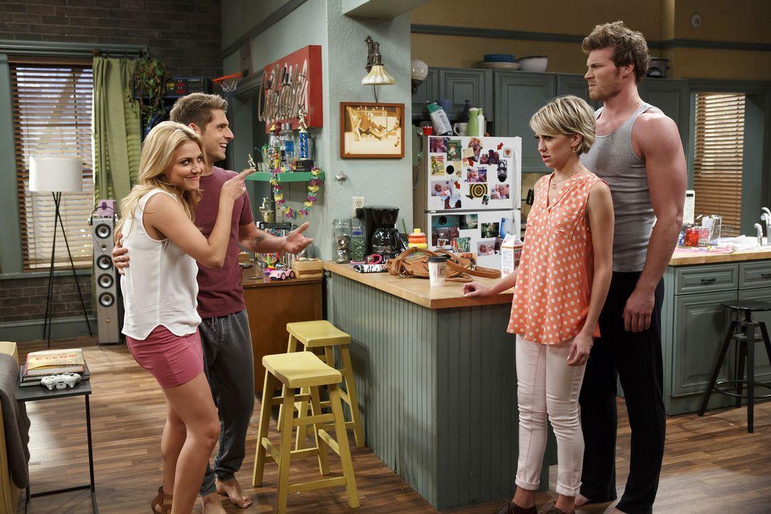 (v.l.n.r.) Heather (Cassie Scerbo); Ben (Jean-Luc Bilodeau); Riley (Chelsea Kane); Danny (Derek Theler) - Bildquelle: Bruce Birmelin ABC Family