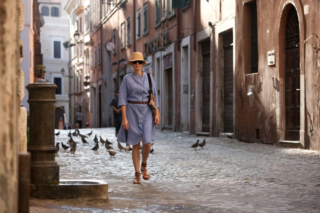 Am Scheideweg ihres Lebens beschließt Liz Gilbert (Julia Roberts), alles zu riskieren. Sie verlässt New York und ihr wohlgeordnetes Leben, und begib... - Bildquelle: 2010 Columbia Pictures Industries, Inc. All Rights Reserved.