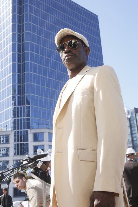 Nach seinem vorgetäuschten Tod in den Straßen New Yorks baut sich Agent Neil Shaw (Wesley Snipes) eine neue Existenz als Bodyguard und Setberater... - Bildquelle: 2008 Operation Eagle Productions Inc. All Rights Reserved.