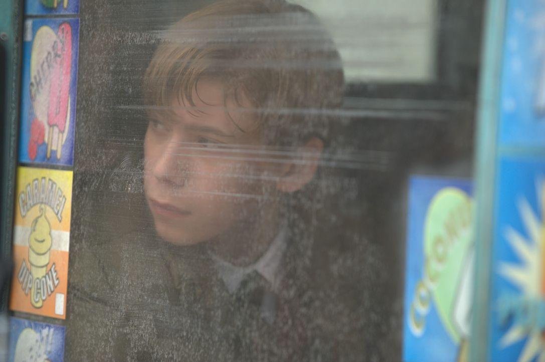 Der hochbegabte Schüler Jordan (Owen Teague) schließt sich einer kleinen Gruppe Überlebender an, doch die Macht der Smartphone-Zombies wächst stetig... - Bildquelle: Richard Foreman 2014 CELL Film Holdings, LLC ALL RIGHTS RESERVED.