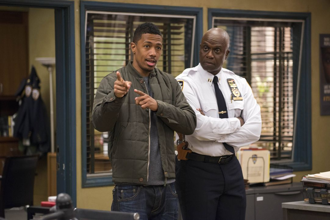 Marcus (Nick Cannon, l.); Captain Ray Holt (Andre Braugher, r.) - Bildquelle: Erica Parise 2014 UNIVERSAL TELEVISION LLC. All rights reserved / Erica Parise