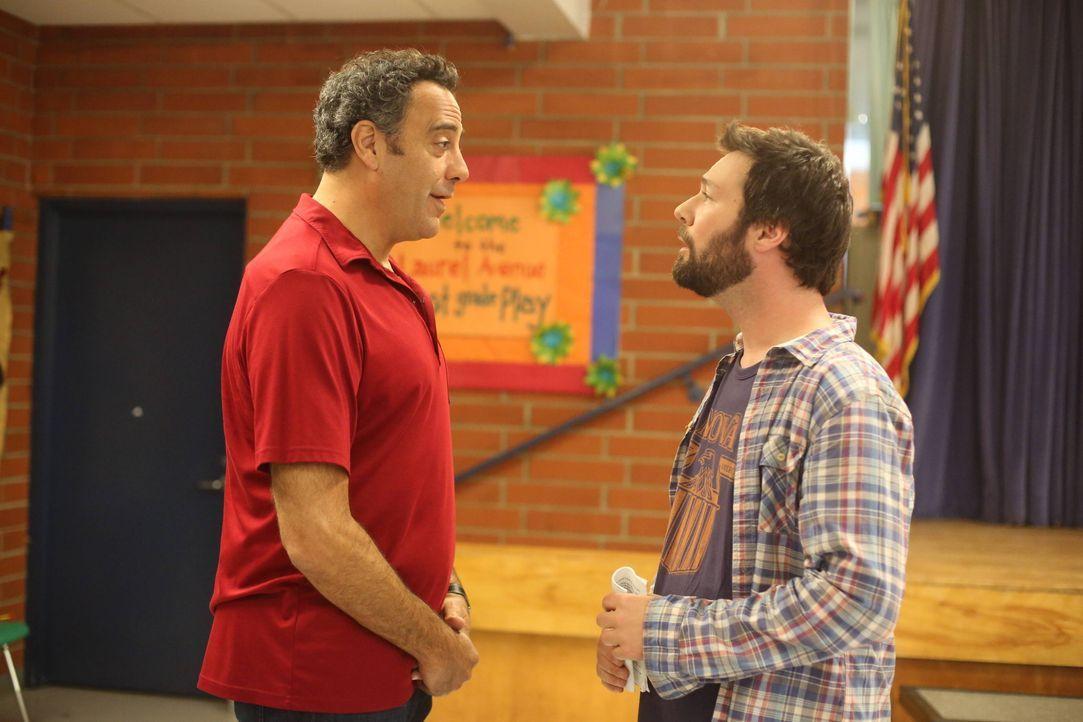 Können Max (Brad Garrett, l.) und Julian (Jon Dore, r.) die junge Natalie anspornen mehr aus sich herauszuholen? - Bildquelle: 2013 American Broadcasting Companies. All rights reserved.
