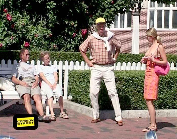comedystreet-st-04-epi-02-grab-simon-gosejohann-06-prosiebenjpg 700 x 550 - Bildquelle: Guido Ohlenbostel ProSieben