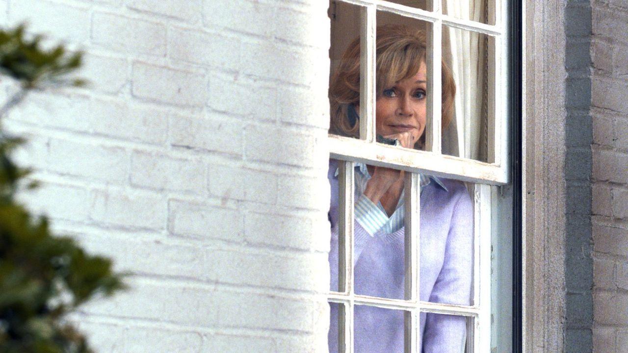 Hilary (Jane Fonda) ist froh, dass sie nach dem Tot ihres Mannes endlich mal wieder alle Kinder um sich hat ... - Bildquelle: 2014 Warner Brothers