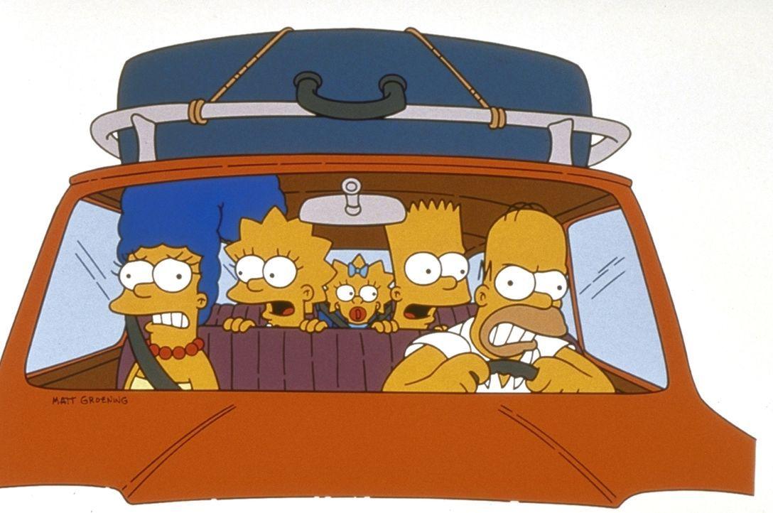 (9. Staffel) - Familie Simpson macht einen kleinen, aufregenden Ausflug mit dem Wagen: Homer (r.), Marge (l.), Maggie (M.), Bart (2.v.r.) und Lisa (... - Bildquelle: und TM Twentieth Century Fox Film Corporation - Alle Rechte vorbehalten