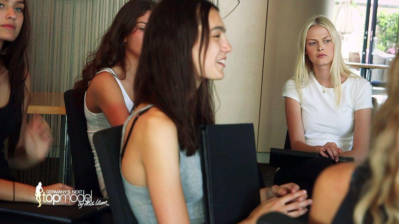 GNTM-Stf10-Epi09-Casting-Heidi-Klum-Intimates-09-ProSieben - Bildquelle: ProSieben
