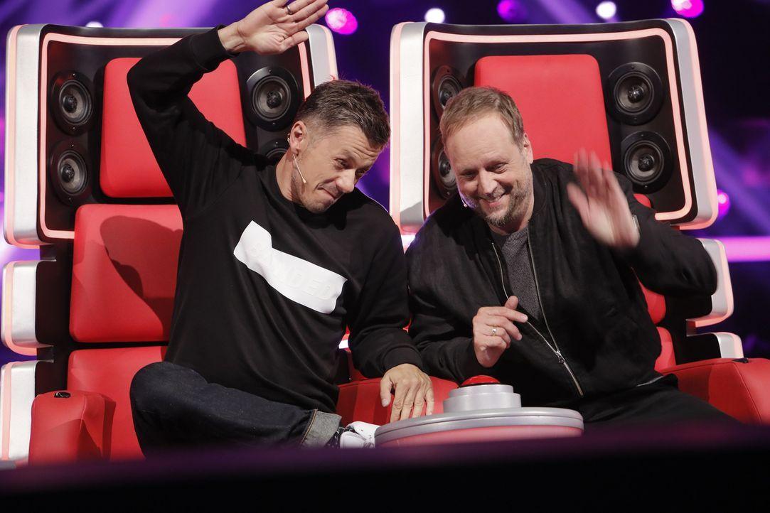 """Geben alles, um bei """"The Voice of Germany"""" zu gewinnen: Michi Beck (l.) und Smudo (r.) ... - Bildquelle: Richard Hübner SAT.1/ProSieben"""