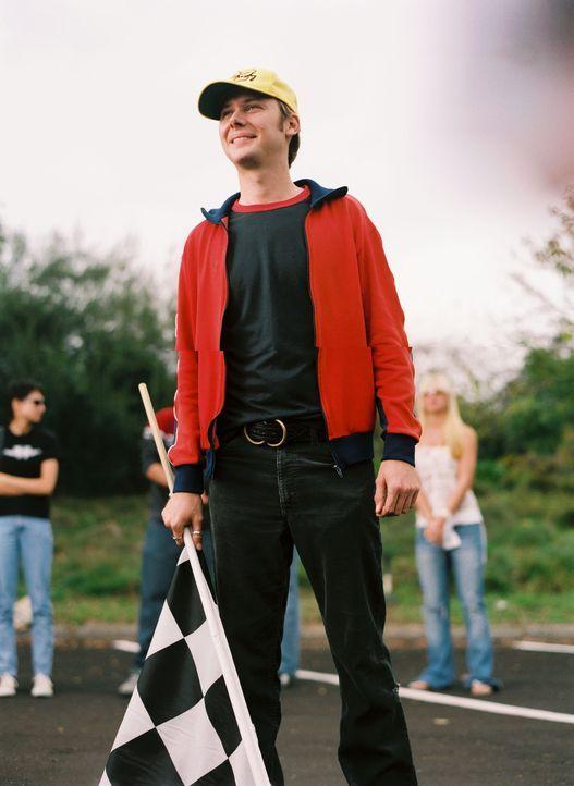 Auf die Plätze fertig los - Crash (Jimmi Simpson) gibt das Zeichen zum Start ... - Bildquelle: Walt Disney Pictures