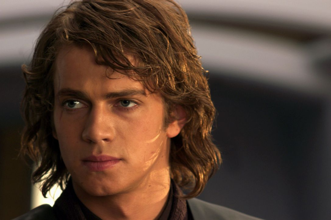Anakin Skywalker (Hayden Christensen) weiß nicht, wem er seine Loyalität schenken soll - dem Jedi-Rat oder Kanzler Palpatine ... - Bildquelle: Lucasfilm Ltd. & TM. All Rights Reserved. Photo by Merrick Morton.