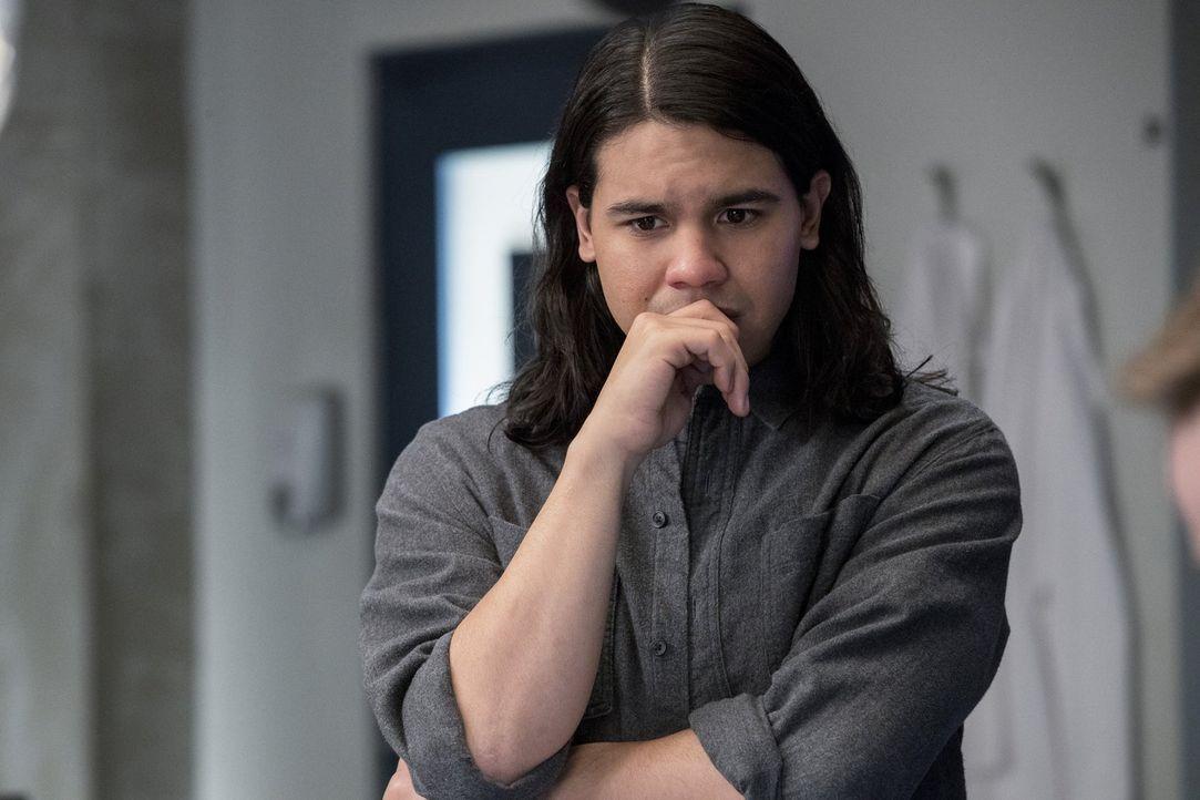 Werden Cisco (Carlos Valdes) und das Team einen guten Freund verlieren? - Bildquelle: 2016 Warner Bros.