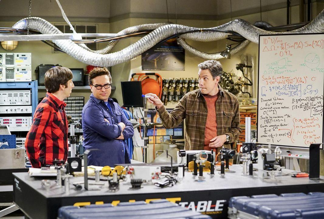 Nachdem Howard (Simon Helberg, l.) und Leonard (Johnny Galecki, M.) herausfinden, dass Sheldon ohne sie an einem ehemals gemeinsamen Projekt weitera... - Bildquelle: Warner Bros. Television