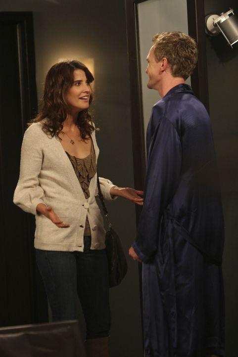 Barney (Neil Patrick Harris, r.) nimmt eine Herausforderung von Robin (Cobie Smulders, l.) an. Doch wird er sie meistern? - Bildquelle: 20th Century Fox International Television