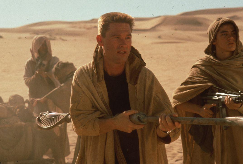 Colonel Jack O'Neil (Kurt Russell, M.) muss sich mit einem eiskalten Gott herumschlagen ...