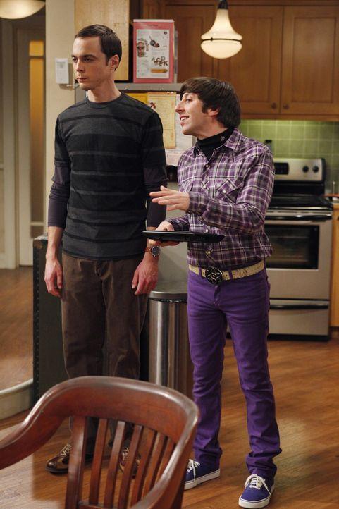Nachdem bei Sheldon und Leonard eingebrochen worden ist, fühlt sich Sheldon (Jim Parsons, l.) nicht mehr sicher. Daraufhin installiert Howard (Simo... - Bildquelle: Warner Bros. Television