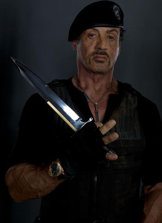 Mann mit Mission: Barney Ross (Sylvester Stallone) will zusammen mit seiner Truppe von Söldnern die Welt vor einer atomaren Katastrophe bewahren ... - Bildquelle: BARNEY'S CHRISTMAS, INC.  ALL RIGHTS RESERVED