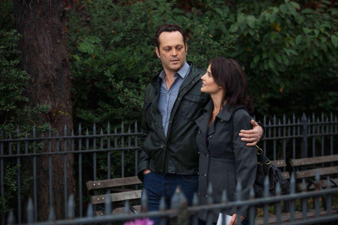 Eigentlich sind Emmas (Cobie Smulders, r.) Erwartungen an David (Vince Vaughn, l.) minimal, als sie ihm gesteht, dass sie schwanger ist. Doch dann e... - Bildquelle: Constantin Film Verleih GmbH.