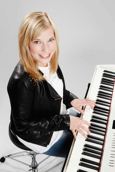 Die-Band-Keyboarder-Inga-02-ProSieben-Richard-Huebner - Bildquelle: ProSieben/Richard Hübner