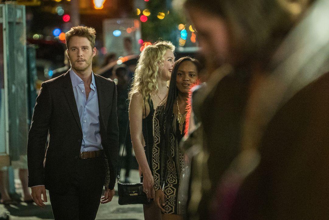 Seine Loyalität dem FBI gegenüber wird auf die Probe gestellt als Sands von Brian (Jake McDorman) verlangt, geheime Akten zu stehlen ... - Bildquelle: Michael Parmelee 2015 CBS Broadcasting, Inc. All Rights Reserved