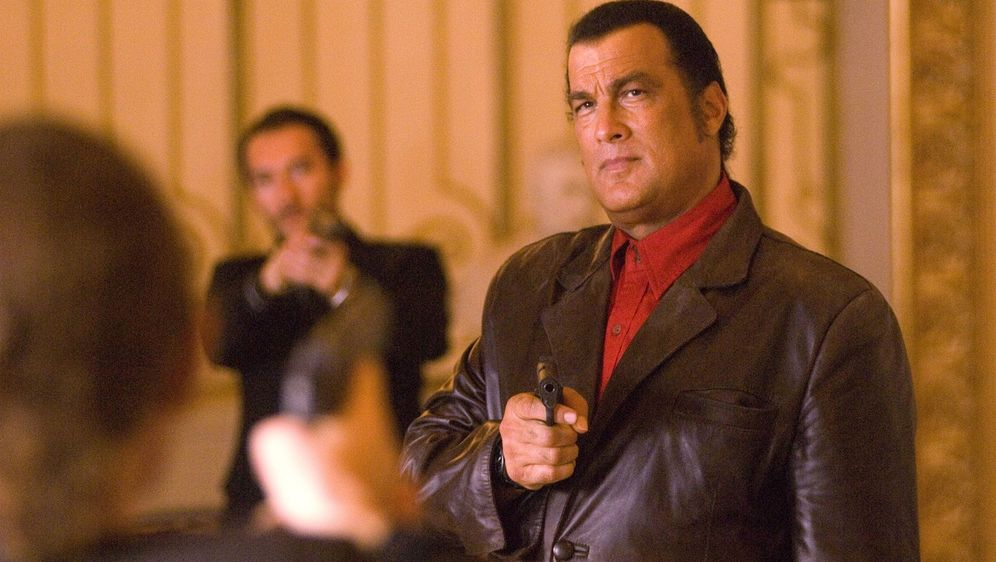 Steven Seagal - Shadow Man - Kurier des Todes - Bildquelle: 2006 Micro Fusion 2005-1 LLP. All rights reserved.