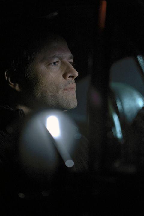 Steht Dean bei der Suche nach Sam bei: Castiel (Misha Collins) ... - Bildquelle: Warner Bros. Television