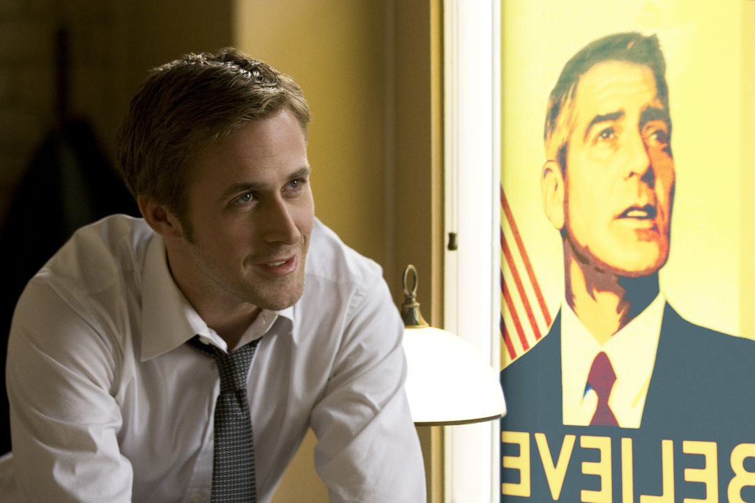 Obwohl noch sehr jung, gilt Stephen Myers (Ryan Gosling), Berater der demokratischen Präsidentschaftshoffnung Mike Morris, in eingeweihten Kreisen a... - Bildquelle: Saeed Adyani 2011 IDES FILM HOLDINGS, LLC. ALL RIGHTS RESERVED.
