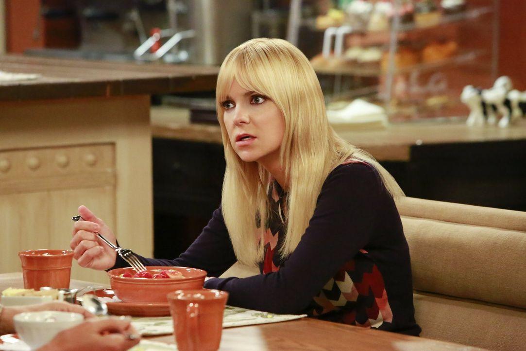 Christy (Anna Faris) schmiedet einen Plan. Irgendwie müssen sie Jill doch helfen können ... - Bildquelle: 2016 Warner Bros. Entertainment, Inc.