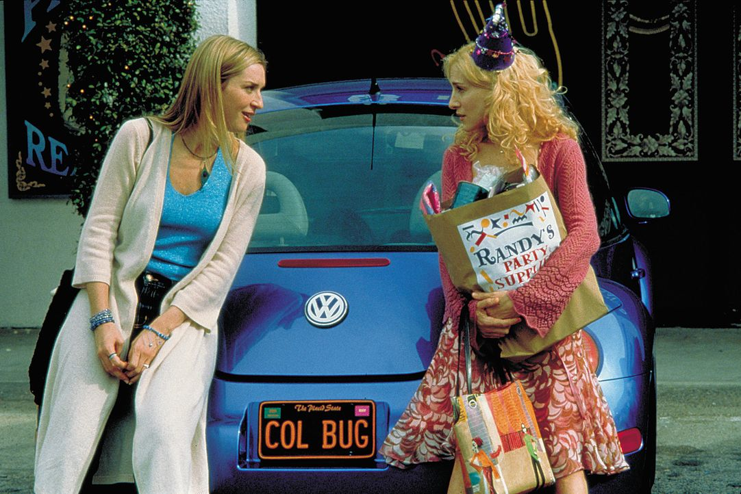 Als Colleen (Sarah Jessica Parker, r.) eine fulminante Dummheit begeht, ahnt sie, dass sie weder ihrer Mutter, ihrer Wahrsagerin noch Tina (Ever Car... - Bildquelle: 2004 Sony Pictures Television International. All Rights Reserved.