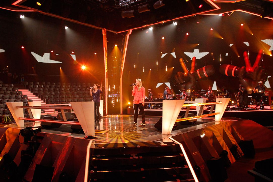 battle-alina-vs-christin05-the-voice-of-germany-huebnerjpg 1700 x 1133 - Bildquelle: SAT1/ProSieben/Richard Hübner