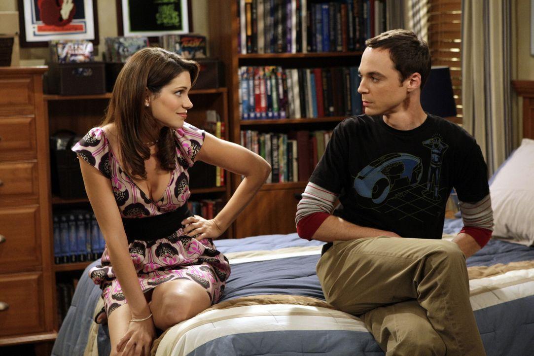 Missy (Courtney Henggeler, l.); Sheldon Cooper (Jim Parsons, r.) - Bildquelle: Sonja Flemming 2008 CBS Broadcasting Inc. All Rights Reserved. / Sonja Flemming