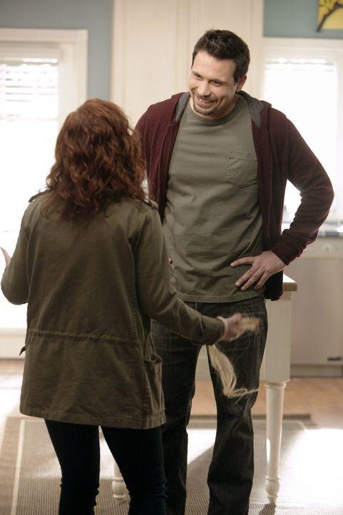 George (Jeremy Sisto, r.) weiß einfach nicht was mit seiner Tochter Tessa (Jane Levy, l.) los ist. Warum geht sie nur so auf die Tochter seiner Fre... - Bildquelle: Warner Brothers