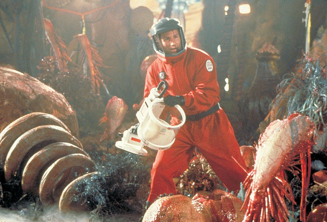 Erst in letzter Sekunde entdeckt Ira (David Duchovny) ein Mittel, das sich gewaschen hat und die gefräßigen Außerirdischen aufhalten kann ... - Bildquelle: 2003 Sony Pictures Television International