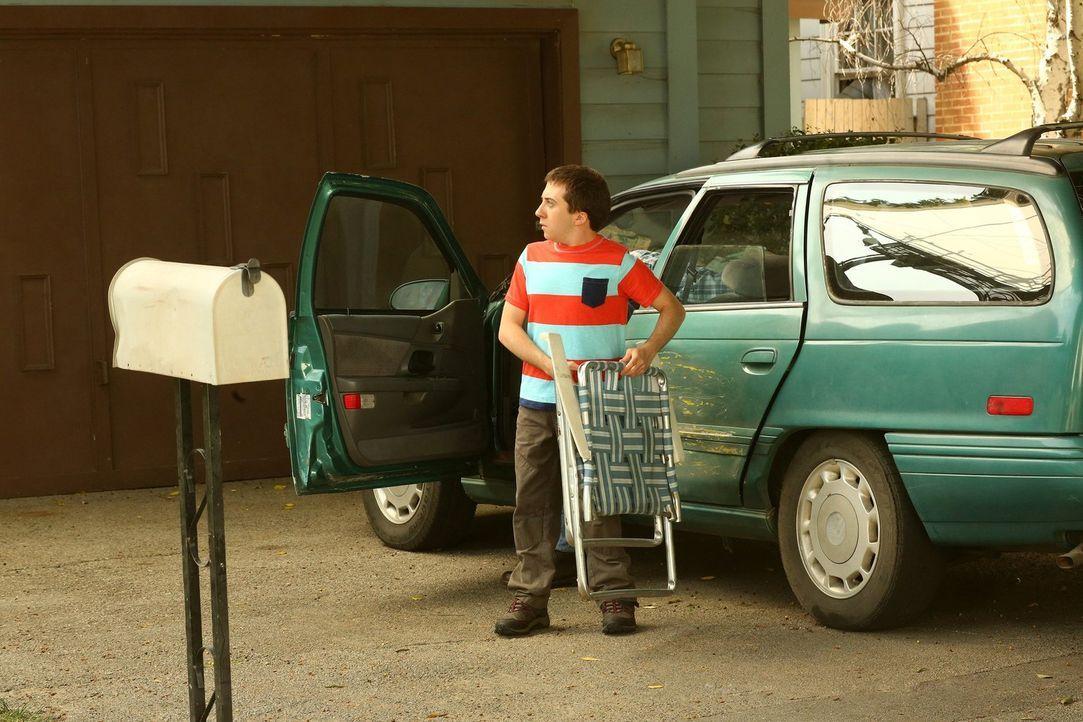 Erkennt, warum er Rückenschmerzen hat: Brick (Atticus Shaffer) ... - Bildquelle: Warner Bros.